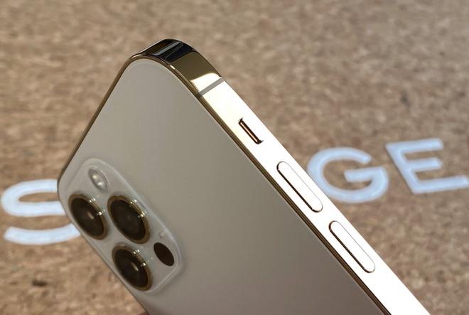 Giá iPhone 12 Pro tăng trở lại vì khan hàng