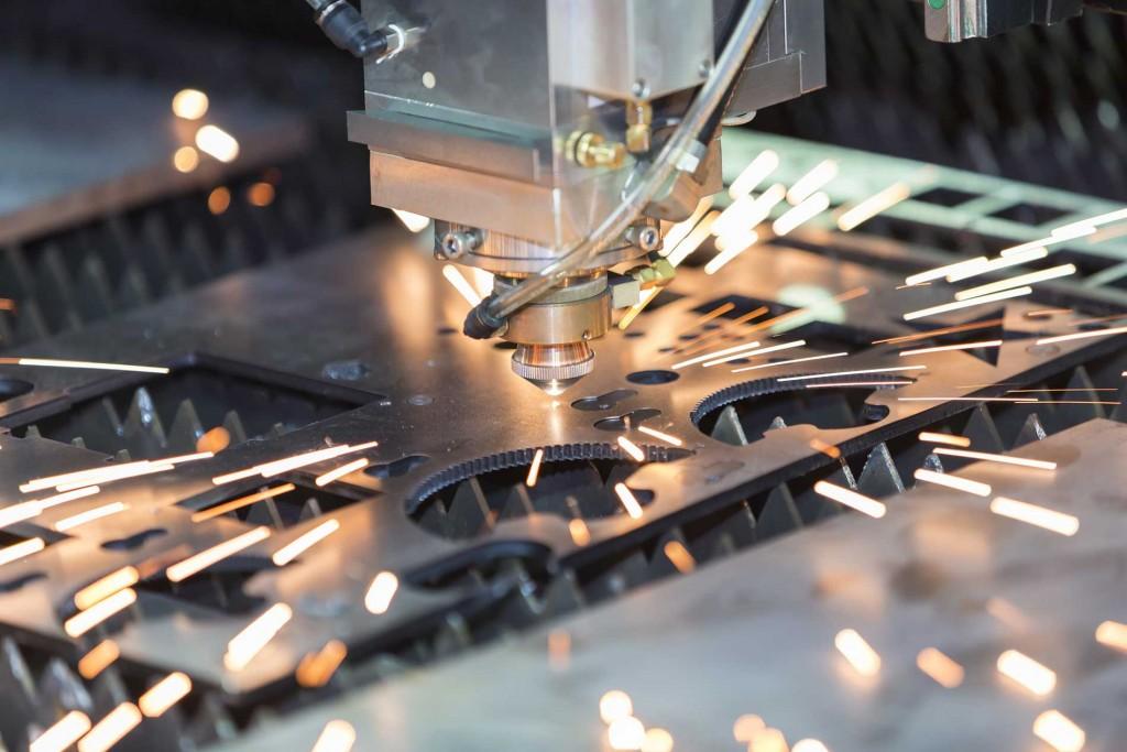 Cắt CNC là gì? Nguyên lý hoạt động của máy cắt CNC