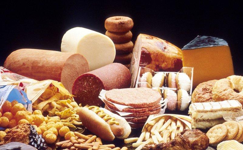 Đồ ăn càng sử dụng càng khiến não bị bào mòn