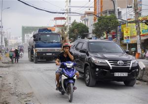 Ô nhiễm khói bụi từ quán nướng, xe cộ, công trình xây dựng... bủa vây TP.HCM