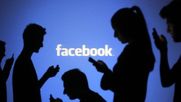 Facebook cấm tin giả vaccine Covid-19