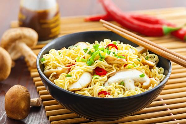 Mì ăn liền có hại cho sức khỏe không?